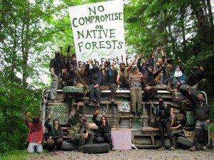 Anarchismo Verde: Anarco-Primitivismo ed Ecologia Sociale