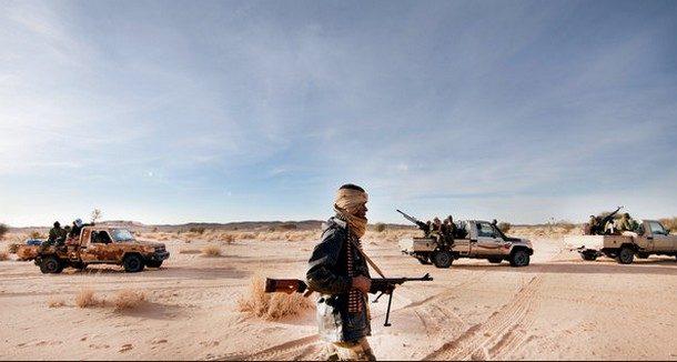 I Tuareg – Insurrezione, Nomadismo e Resistenza allo Stato-Nazione