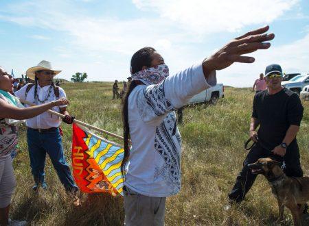 """""""OGGI E' UN BUON GIORNO PER MORIRE"""": a Standing Rock Si Lotta per la Salvezza della Terra"""