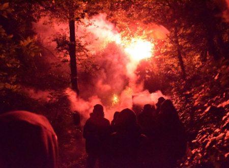 Tra fuochi e lacrimogeni i No Tav raggiungono il cantiere (da NoTav.info)